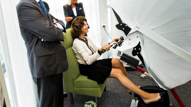 Drottning Silvia testar jDome Bikearound