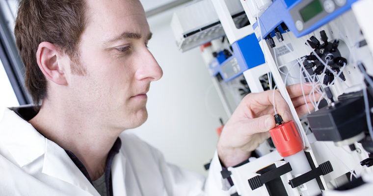 laboratory-technician-protein-separation_genmab