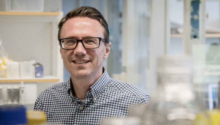 He is the winner of the Arvid Carlsson Award by Sahlgrenska Science Park